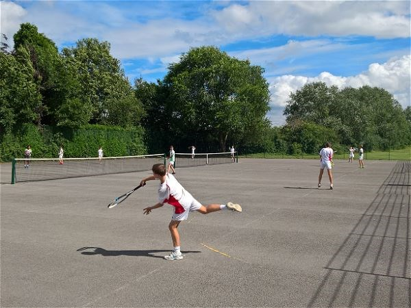 Photo 4 - Tennis V Cleeve School
